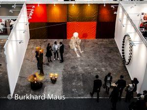 Galerie Neugerriemschneider mit Aiweiwei, Rirkrit Tiravanija, Jorge Pardo und Olafur Eliasson (détail), FIAC 2016 Grand Palais, Paris
