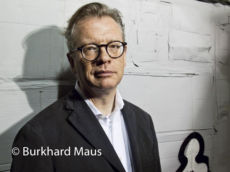 """Christoph Grunenberg - in der Ausstellung von Thomas Hirschhorn """" Nachwirkung"""", Kunsthalle Bremen"""