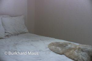 """Gregor Schneider, """"Schlafzimmer"""" (détail) / """"Wand vor Wand"""", Bundeskunsthalle"""