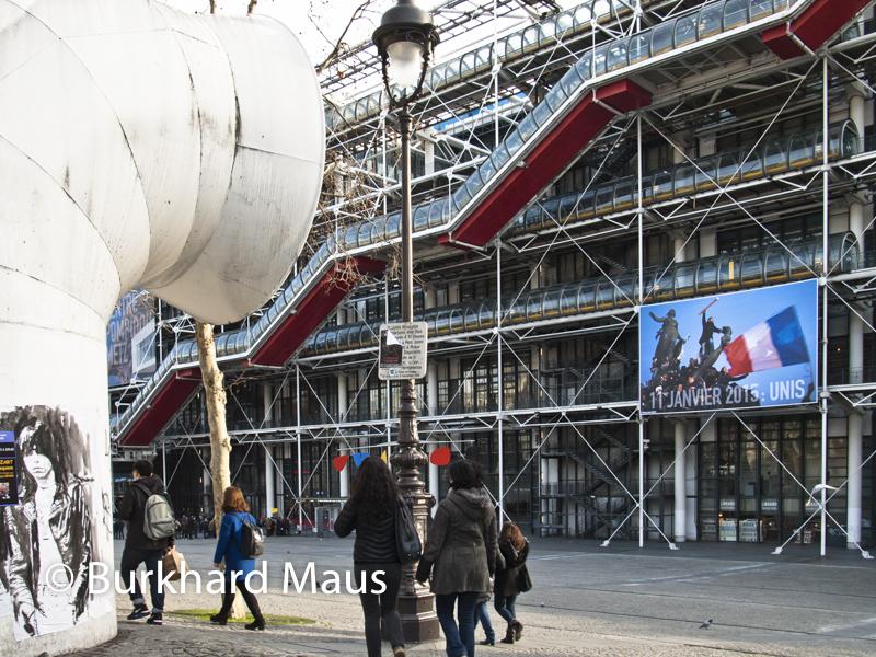 """Pour Charlie Hebdo, Centre Pompidou (détail), """"11 Janvier 2015: """"Unis"""" - Photographie © Stéphane Mahé /Reuters), Paris"""