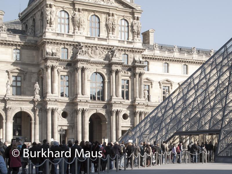 Le Louvre, (détail), Paris