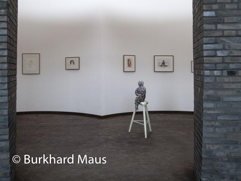 """Paloma Varga Weisz, (v.l.n.r.) """"Gelbes Wesen"""", """"Nasenbär"""", """"Ohne Titel"""", """"Ohne Titel"""", """"Beulenmann"""" (m.), Skulpturenhalle / Thomas Schütte Stiftung"""