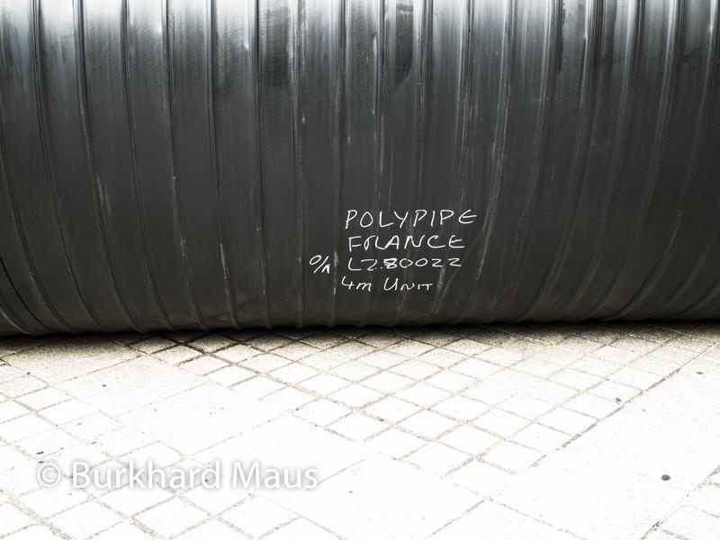 """Oscar Tuazon, """"Une colonne d'eau"""" (détail), Foire Internationale d'Art Contemporain (FIAC) 2017: Hors les murs - Place Vendôme, Paris"""