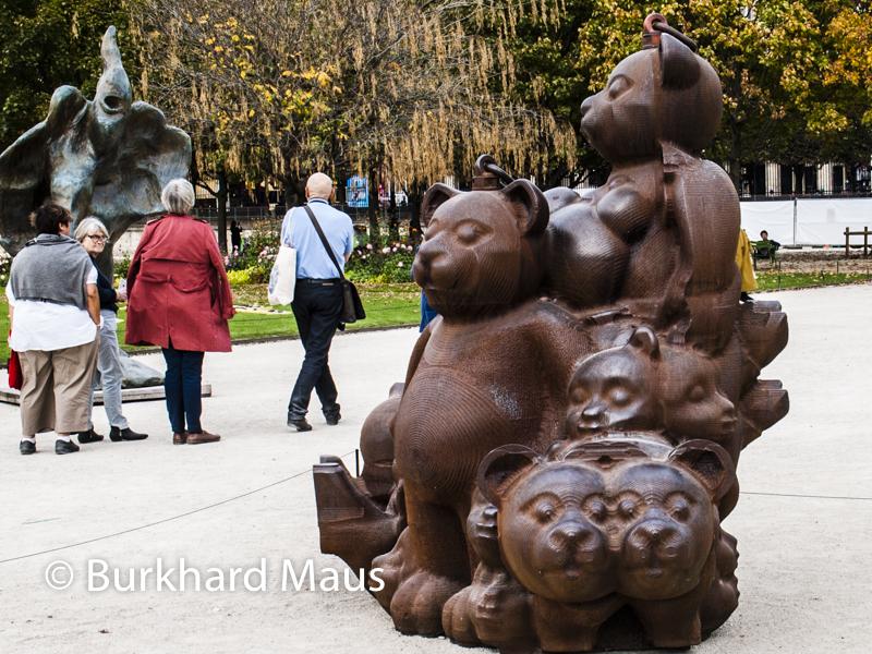 """Erik Dietman, """"Familie Ursini"""", Foire Internationale d'Art Contemporain (FIAC) 2017: Hors les murs – Jardin des Tuileries, Paris"""