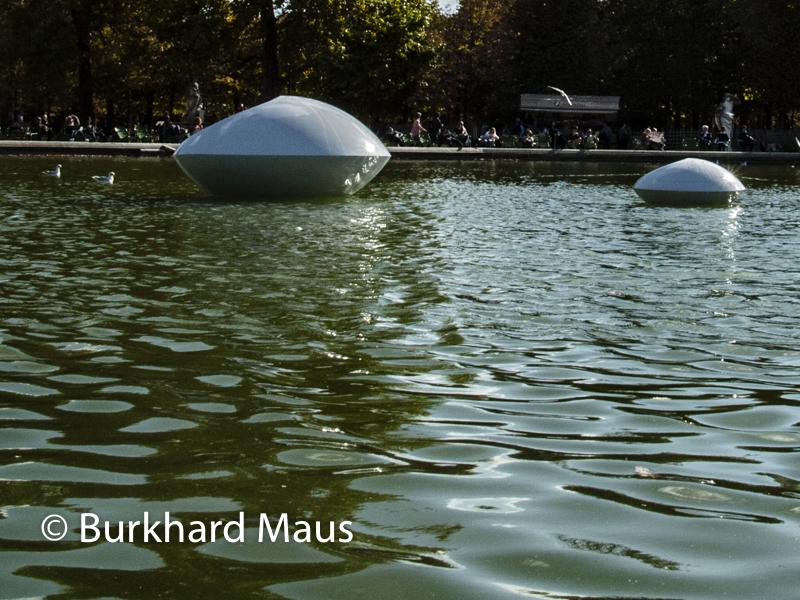 """Marta Pan,""""Lentilles flottantes"""", Foire Internationale d'Art Contemporain (FIAC) 2017: Hors les murs – Jardin des Tuileries, Paris"""