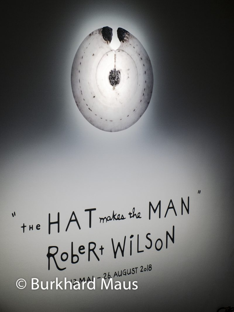 "Robert Wilson, ""The Hat make the Man"" (détail), Max Ernst Museum"