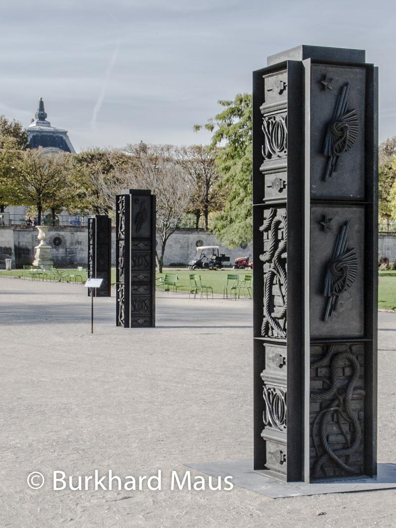 """sabelle Cornaro, """"God Box (Columns)"""", Foire Internationale d'Art Contemporain (FIAC) 2018: Hors les murs – Jardin des Tuileries, Paris"""