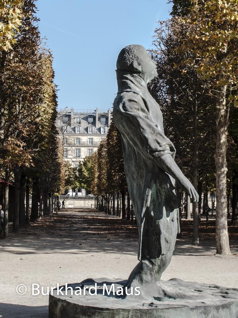 """Thomas Schütte, """"Mann im Wind"""", Foire Internationale d'Art Contemporain (FIAC) 2018: Hors les murs – Jardin des Tuileries, Paris"""