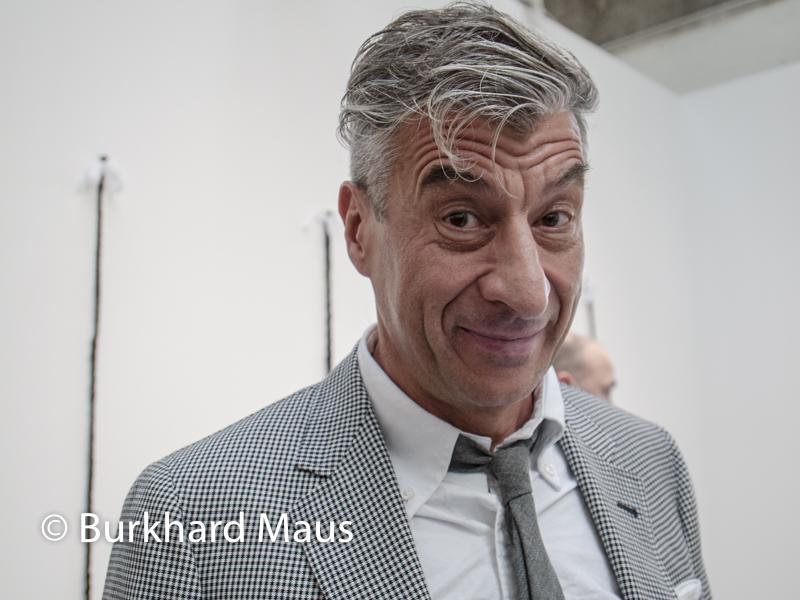 Maurizio Cattelan, Foire internationale d'art contemporain, Paris