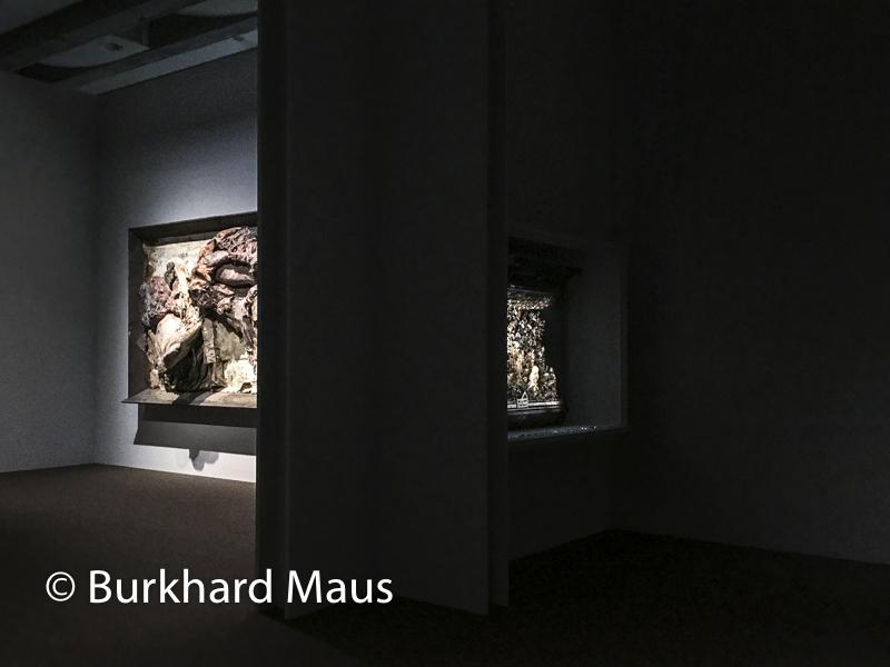 "Berlinde De Bruyckere, ""It almost seemed a lily"" (détal), Museum Hof van Busleyden"