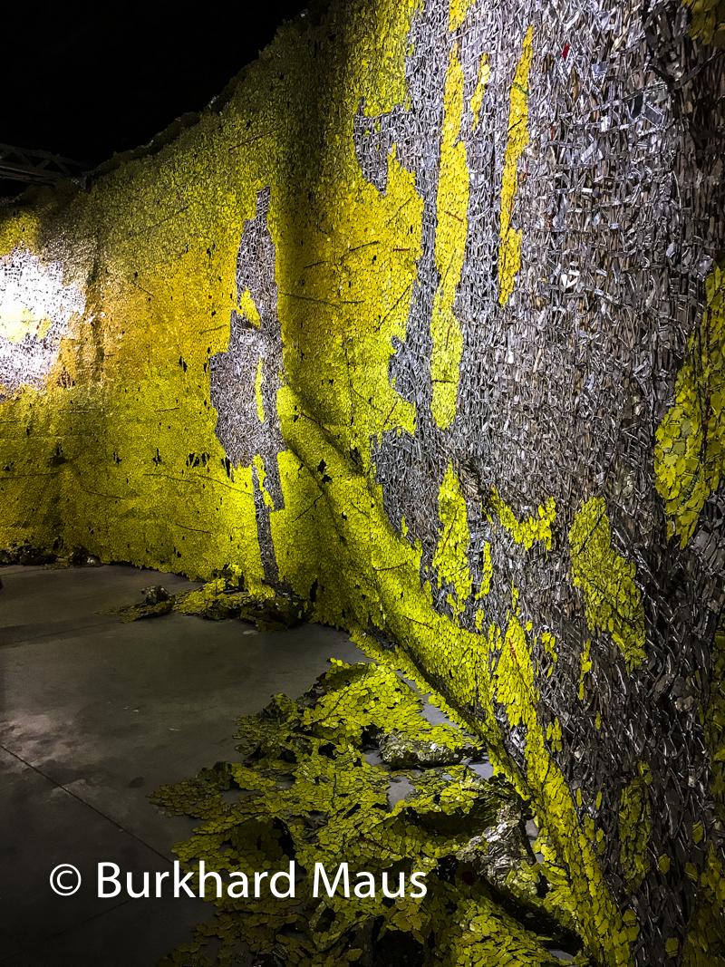 """El Anatsui, """"Earth Shedding its Skin"""", Pavillon Ghana, Esposizione internazionale d'arte di Venezia"""