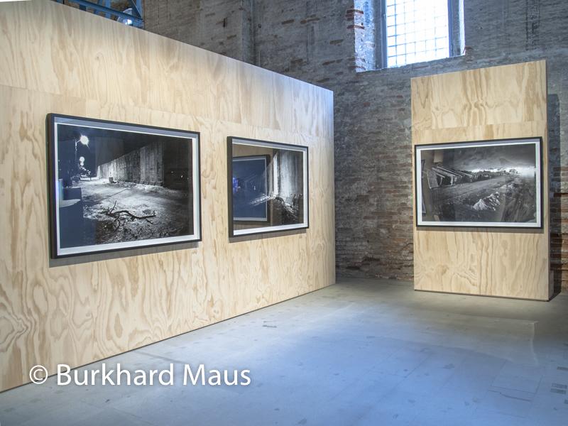 """Rula Halawani, """"dalla serie /from the series """"Gates to Heafen"""", Esposizione internazionale d'arte di Venezia"""