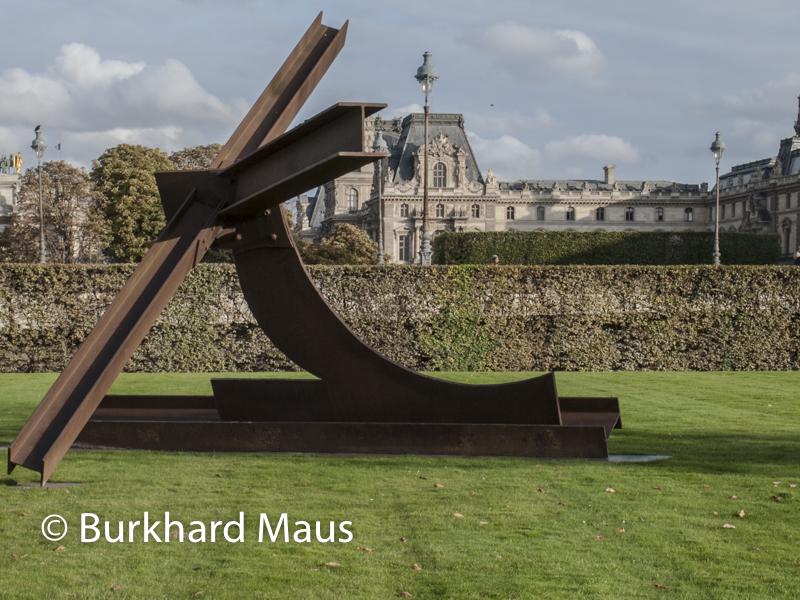"Mark di Suvero, ""Nelly"", FIAC/Tuileries 2019/Tuileries, Jardin des Tuileries, Foire Internationale d'Art Contemporain (FIAC) 2019"
