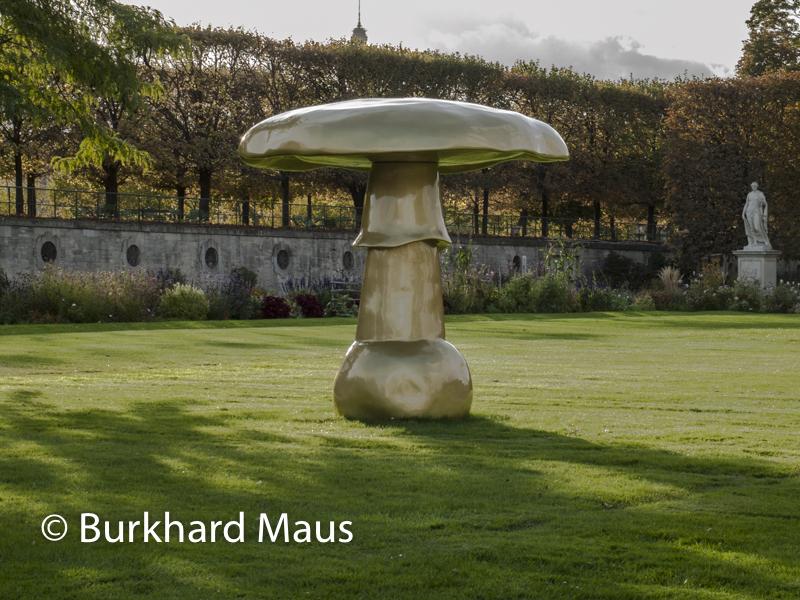 "Sylvie Fleury, ""Mushroom Autowave Rich-Gold Petzold silber F14"", FIAC/Tuileries 2019/Tuileries, Jardin des Tuileries, Foire Internationale d'Art Contemporain (FIAC) 2019:"