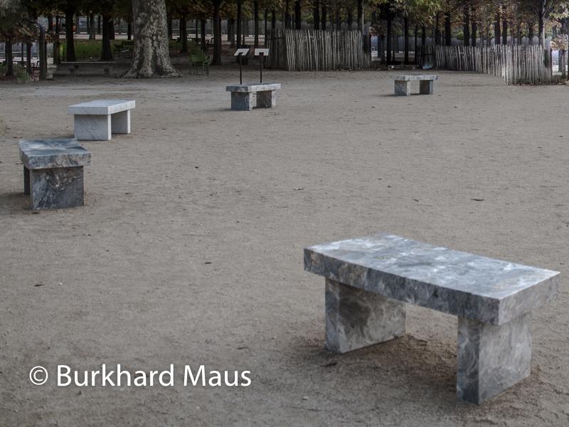 """Jenny Holzer, """"In Fuga"""", """"La Giola"""", """"Surrvival: It is in your self-interest"""", """"La Coscienza"""", """"Dormo"""", FIAC/Tuileries 2019/Tuileries, Jardin des Tuileries, Foire Internationale d'Art Contemporain (FIAC) 2019:"""