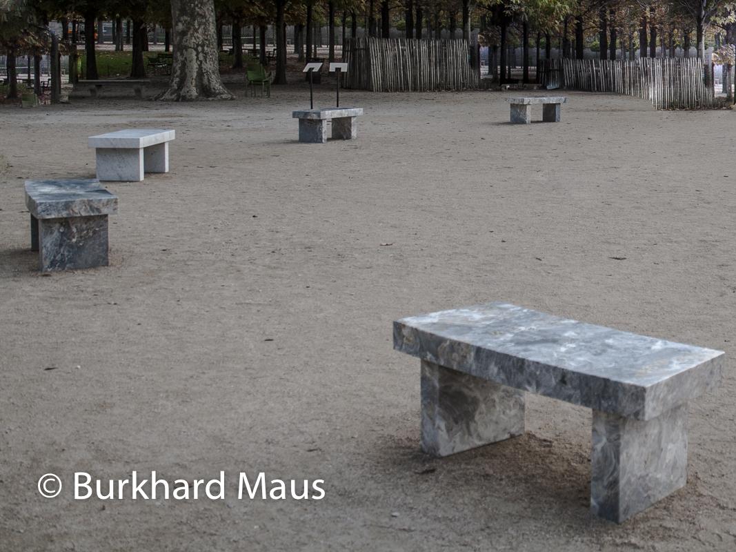 "Jenny Holzer, ""In Fuga"", ""La Giola"", ""Surrvival: It is in your self-interest"", ""La Coscienza"", ""Dormo"", Foire Internationale d'Art Contemporain (FIAC) 2019, Hors les Murs, Jardin des Tuileris, Paris"