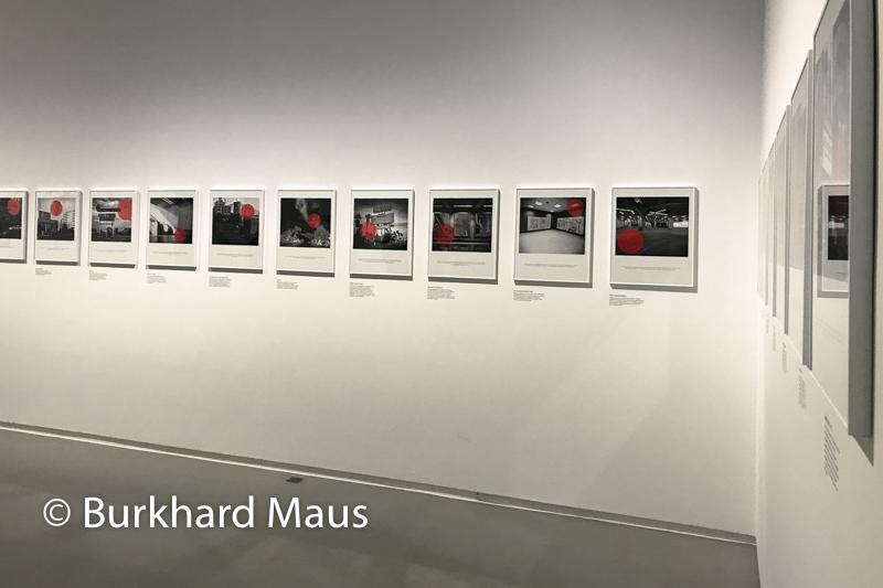 """Max de Esteban, """"Twenty Red Lights"""" (détal), Jeu de Paume, """"Supermaché des images"""", Paris"""