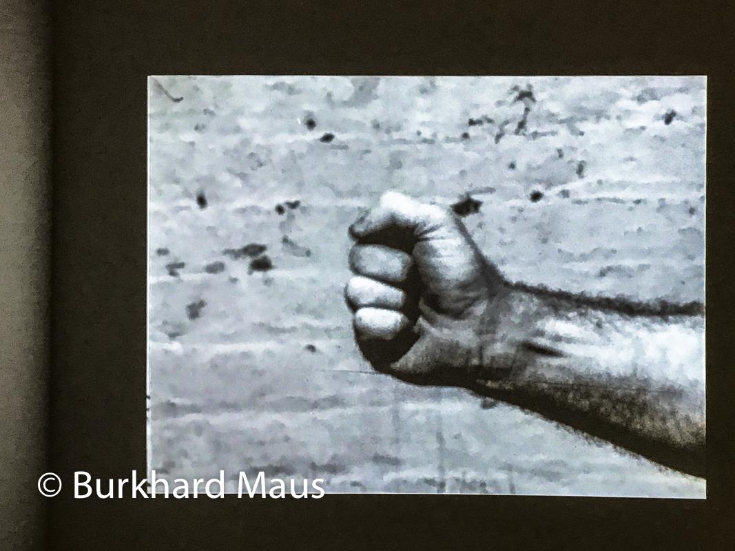 """Richard Serra, """"Hand Catching Lead"""" (détail), """"Supermaché des images"""", Jeu de Paume, Paris"""