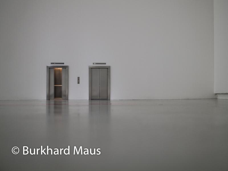 """Maurizio Cattelan, """"Untitled"""", Jeu de Paume, Supermaché des images, Paris"""