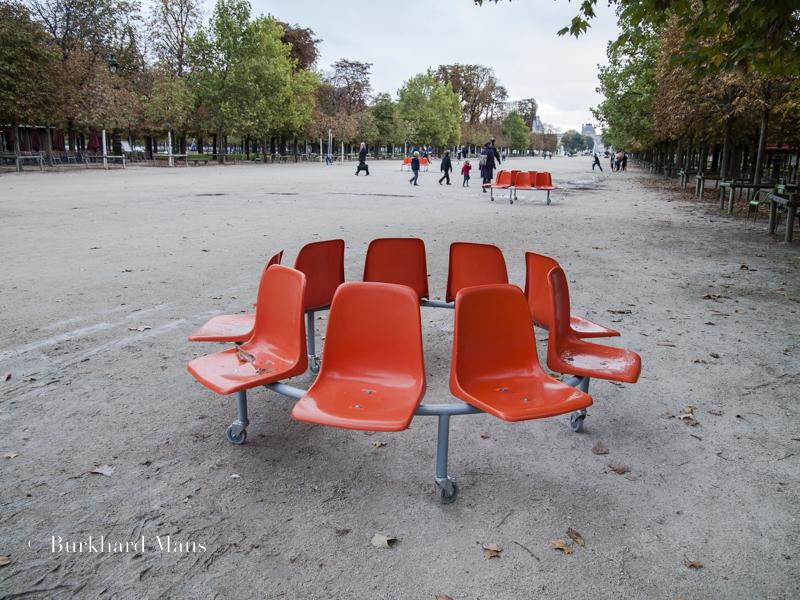 """Veit Stratmann ,""""Les anneaux"""" (détail), Foire Internationale d'Art Contemporain (Hors les murs) (FIAC), Jardin des Tuileries, Paris"""