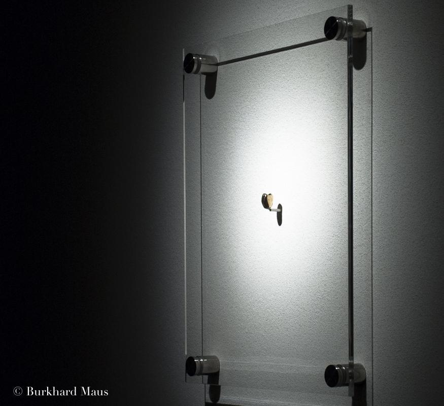 """Lydia Ourahmane, """"In the Absance of Our Mothrs"""" (détail),Le Déracinement,z33 Huis voor Actuelle Kunst, Design & Architectuur, Hasselt"""